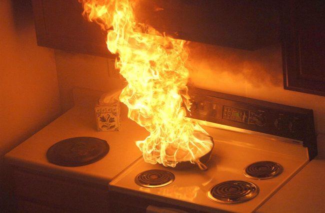 Quais as principais causas de incêndio em residências?