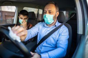 higienização do veículo contra coronavírus